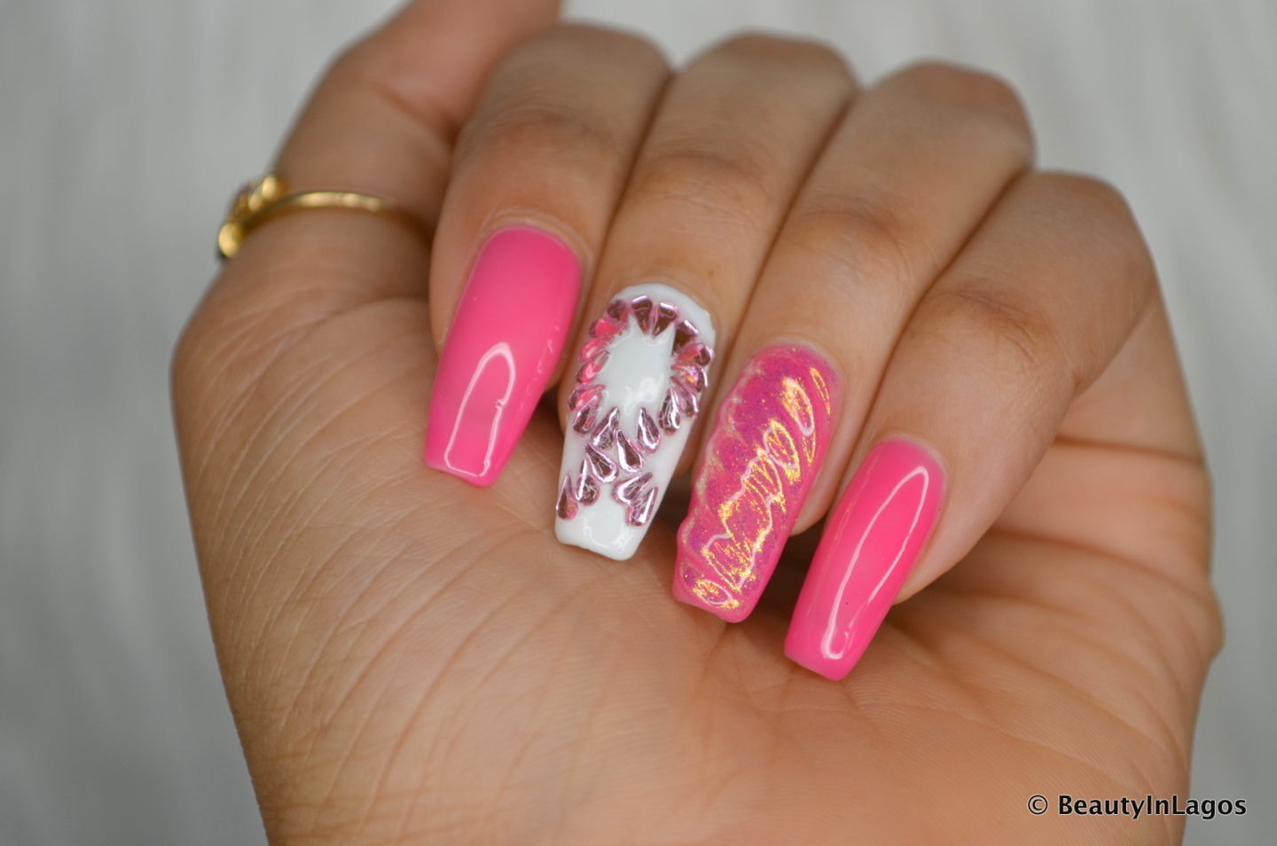 NAIL TIPS: The Right Way To Remove Gel/Acrylic Manicures